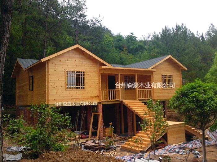 专注于重型纯木原木结构建筑